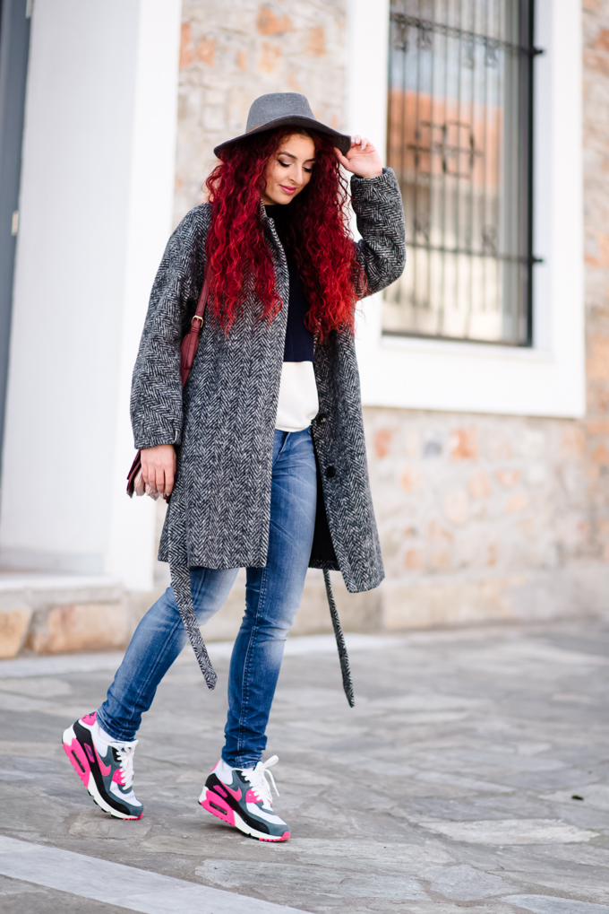 coat&sneakers (2)