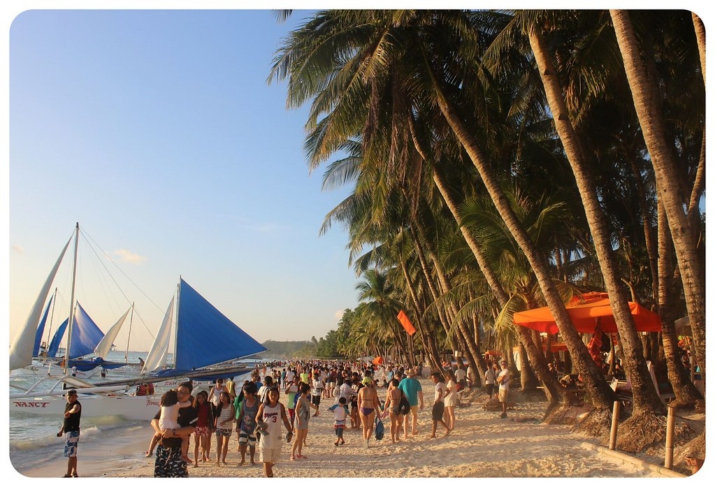 boracay beach crowds