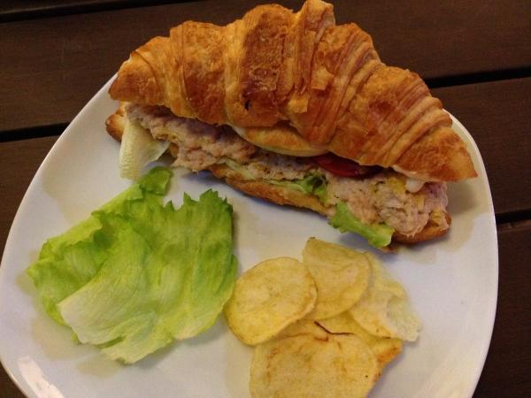 croissant-delicatessen-ocean-tuna-sandwich