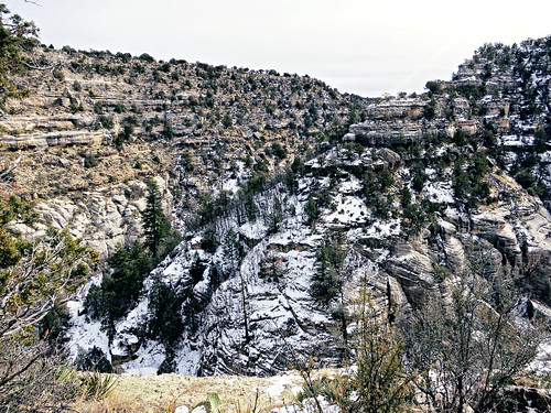 arizona cliff mountain snow cold canon hiking powershot flagstaff s100