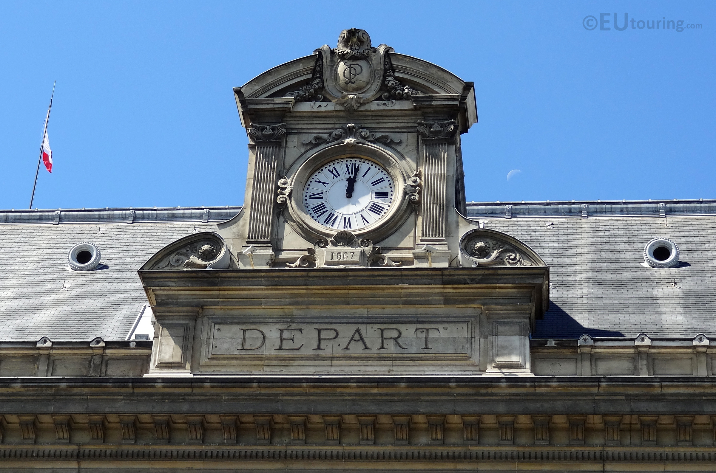 Clock at Gare d'Austerlitz