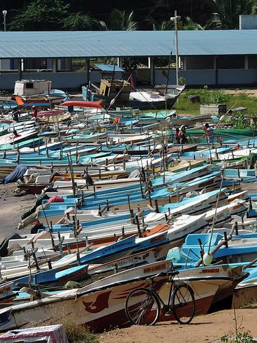 travel ceylon city harbour coast hambantota street beach boat boats fish fishermen fishingboats outdoor waterfront water srilanka southasia