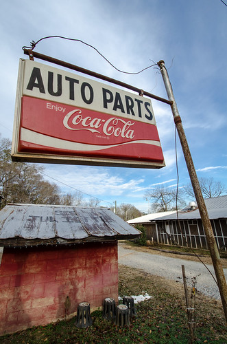 Auto Parts sign - Juliette, GA