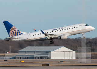 N864RW  United Express (ExpressJet Airlines) Choose... Embraer ERJ-145XR (EMB-145XR)