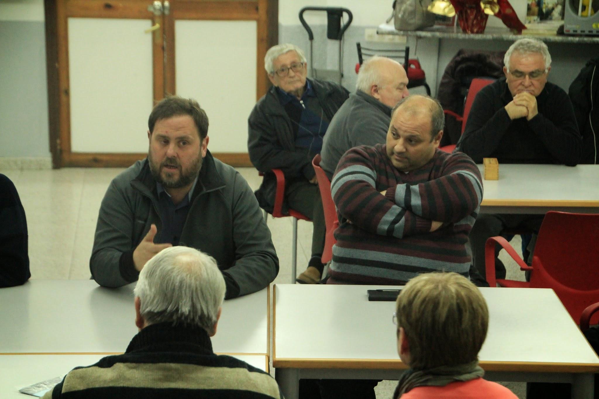 Visita de l'alcalde Junqueras al barri de La Guàrdia