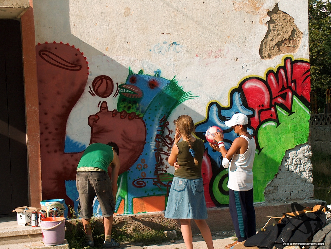 03-20040812-intercultural_communication_through_graffiti-oradea-grafformers_ro