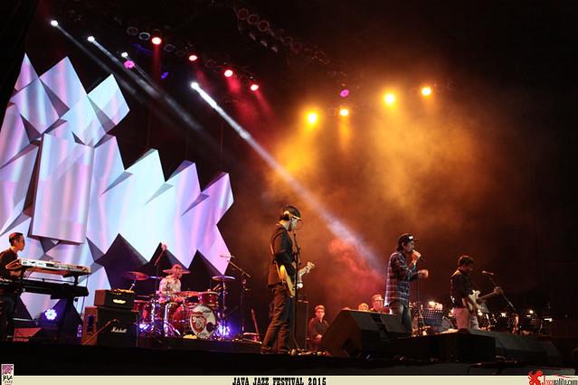 Java Jazz Festival 2015  Day 1 - Sheila on 7 (2)