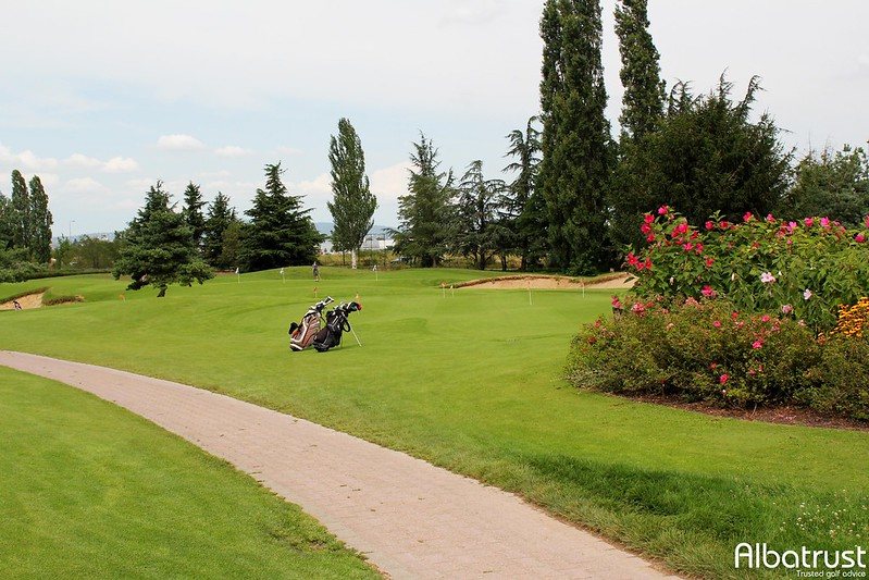 photo du golf Golf De Lyon Chassieu - Parcours