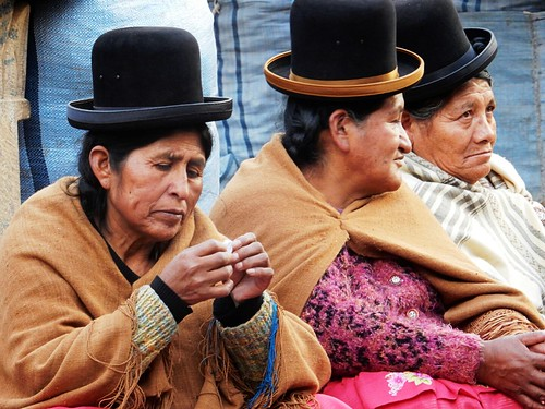 Chalets - Traditional women in Sucre - Bolivia