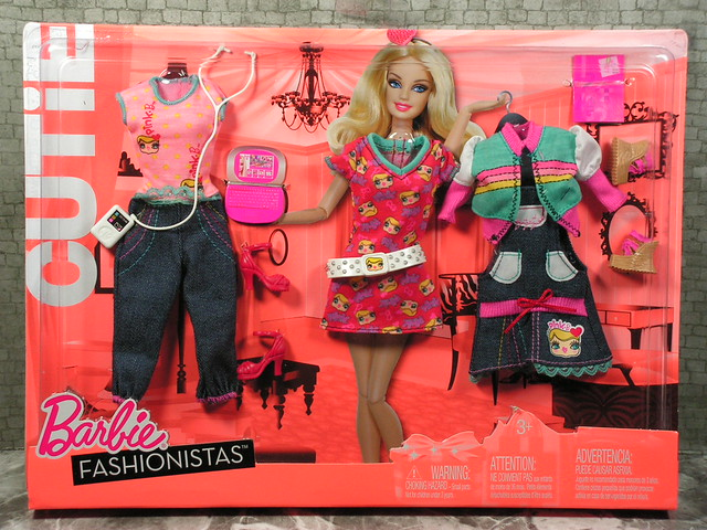 2010 Barbie Fashionistas Cutie  Fashions R6815 (1)