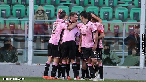Palermo, 2-1 al Verona e settimo posto$