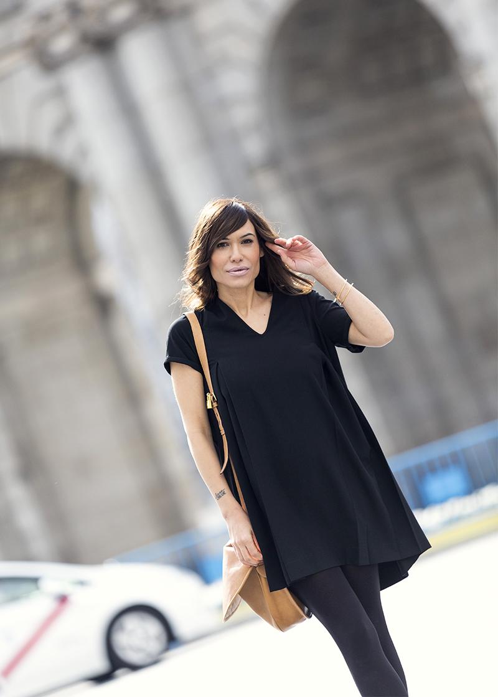 street style barbara crespo lbd hakei dress animal print mustt boots puerta alcala madrid fashion blogger outfit blog de moda