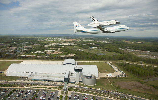 Space Shuttle Discovery DC Fly-Over (April 17, 2012)