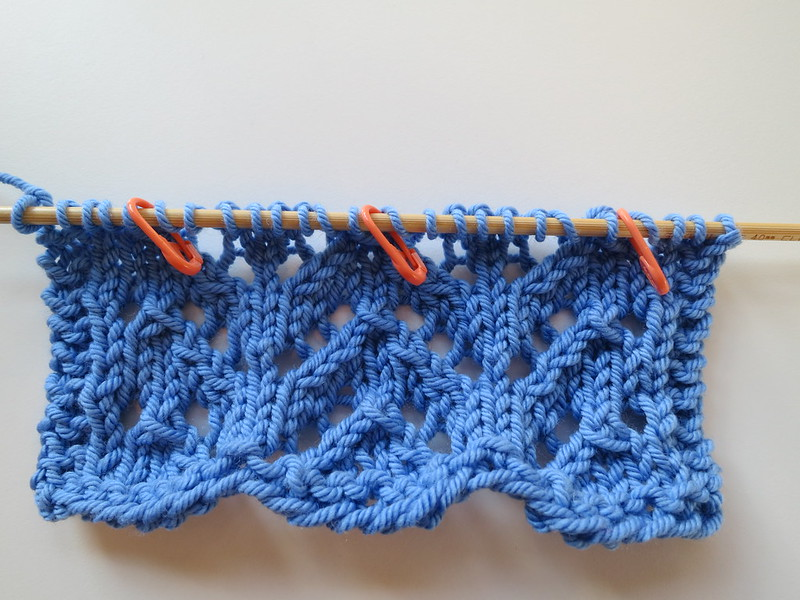 Sk2p Stitch In Knitting : Knitting Like Crazy: Photo Tutorial: Moving Stitch Markers