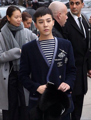 G-Dragon Chanel Haute Coutoure at Grand Palais Paris 2016-01-26 08