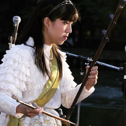 弦楽器、可愛らしい女性。 #タイアンバサダー