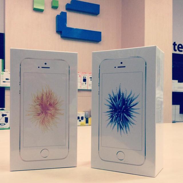 ¡Ven ya por tu iPhone SE! ¡Encuéntralo en @compudemano! #cadadiamejor #instagood #apple #iphone Visita nuestra tienda o llámanos Bogotá: (1) 381 9922 - Medellín: (4) 204 0707 - Cali (2) 891 2999 - Barranquilla: (5) 316 1300 - Pereira: (6) 335 9494 - Celul