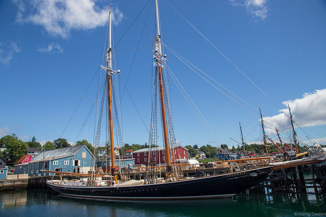 Le Columbia - Lunenburg, NS