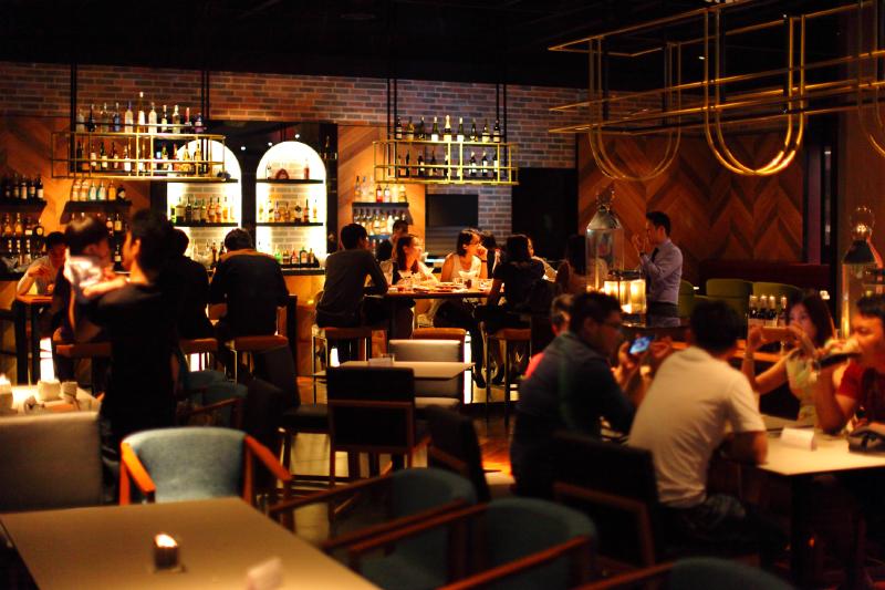 WEIL-Hotel-Rooftop-Bar