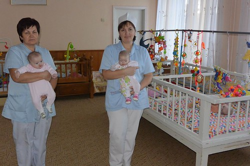 медсестри з наймолодшими