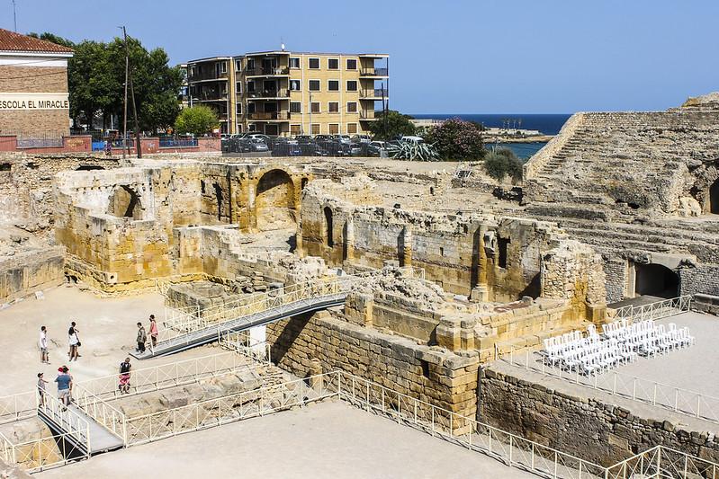 TARRAGONA - Ruïnes de l'amfiteatre de Tàrraco i de l'església de Santa Maria del Miracle