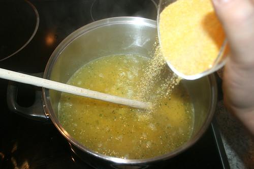 30 - Polenta einrühren / Stir in polenta