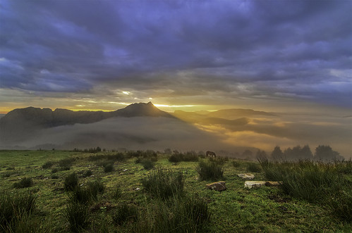 paisajes nature natura amanecer bizkaia vizcaya basquecountry paisvasco amboto saibigain horaazul parquenaturaldelgorbea nikond7000 tokina1116mmf28atxprodxii