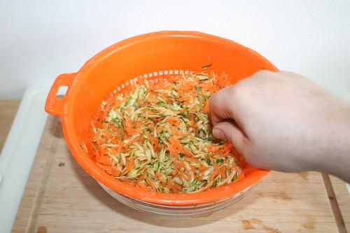 21 - Salz unterheben / Fold in salt