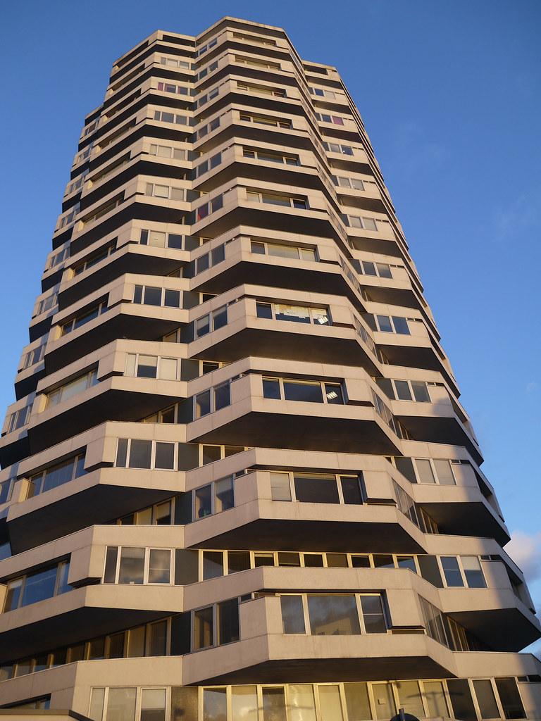 50p Building