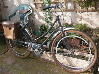 New arrival at the old Spokes home! Peugeot Tradition, velo femme.l at the O