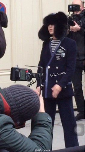 G-Dragon Chanel Haute Coutoure at Grand Palais Paris 2016-01-26 cr on pic (17)