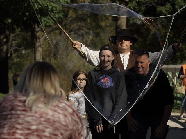 Family Fun with Bubbles, Kline Creek Farm. 3 (EOS)