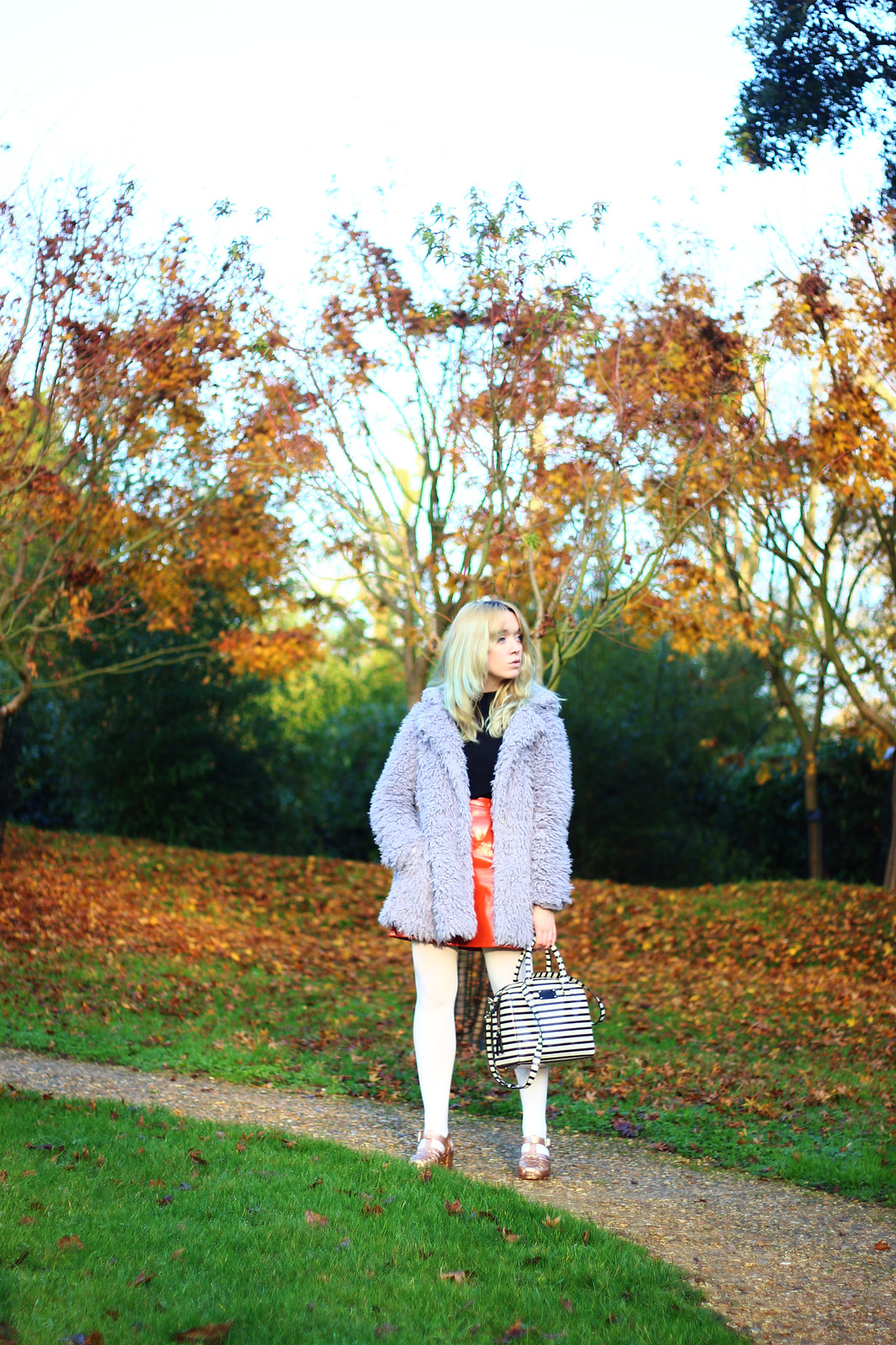 1jellyshoes, jelly_sandals, lilac_coat, pastel_hair, pastel_outfit, mod, retro, blogger_style