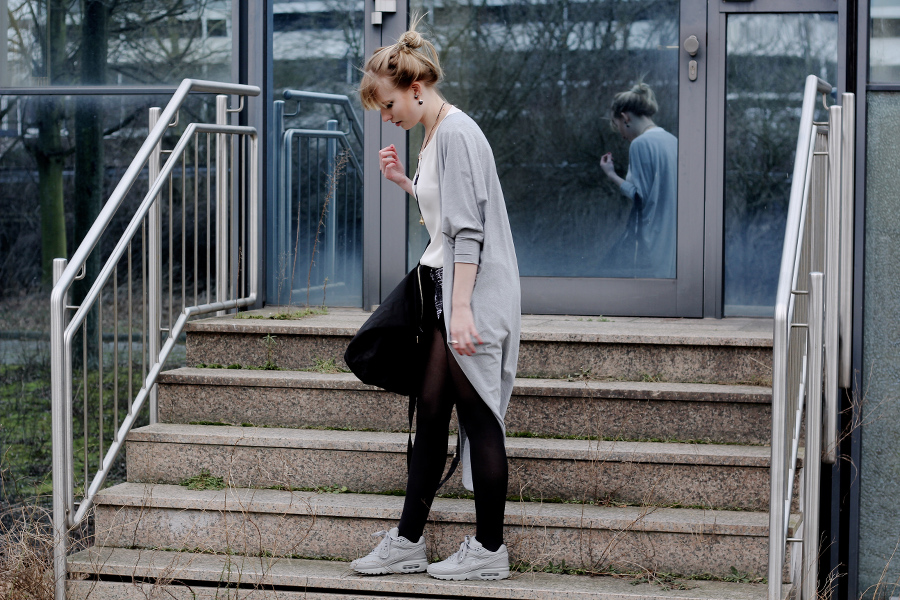 outfit-grey-weekender-asos.nike-air-max-id