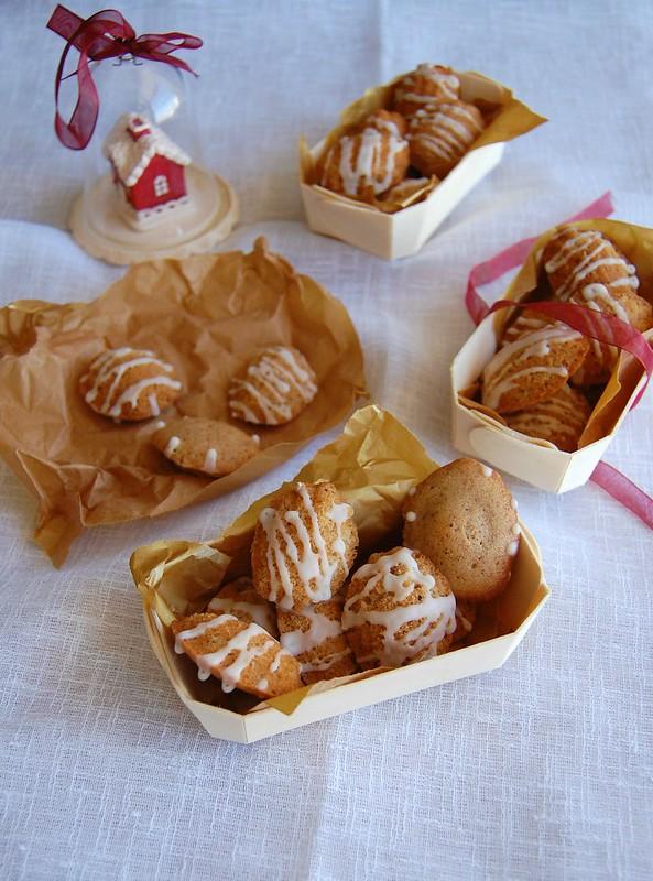 Cinnamon madeleines with Marsala glaze / Madeleines de canela com glacê de Marsala
