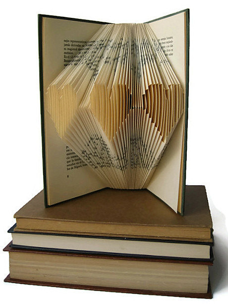 Folded Book Tutorial by Malena Valcárcel