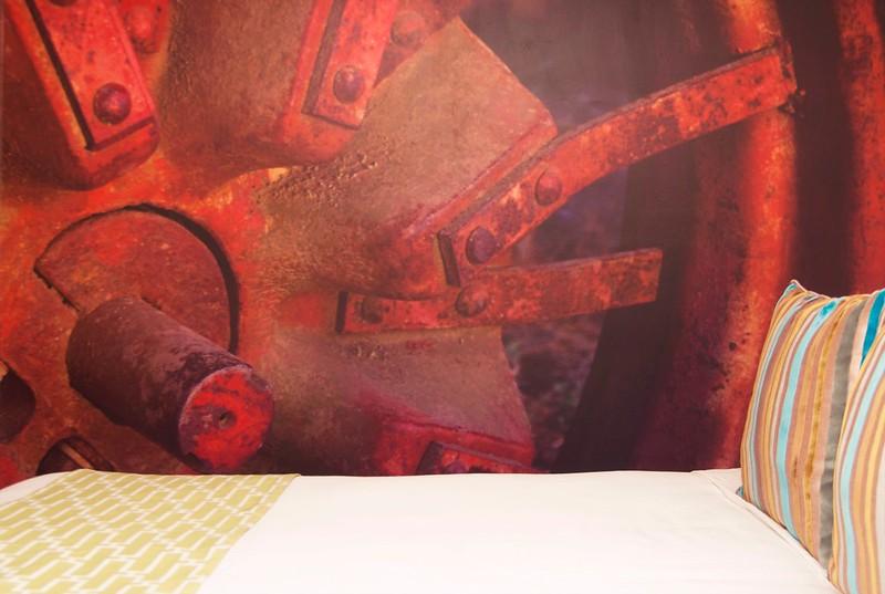 64/365. rusty cogs in the machine.