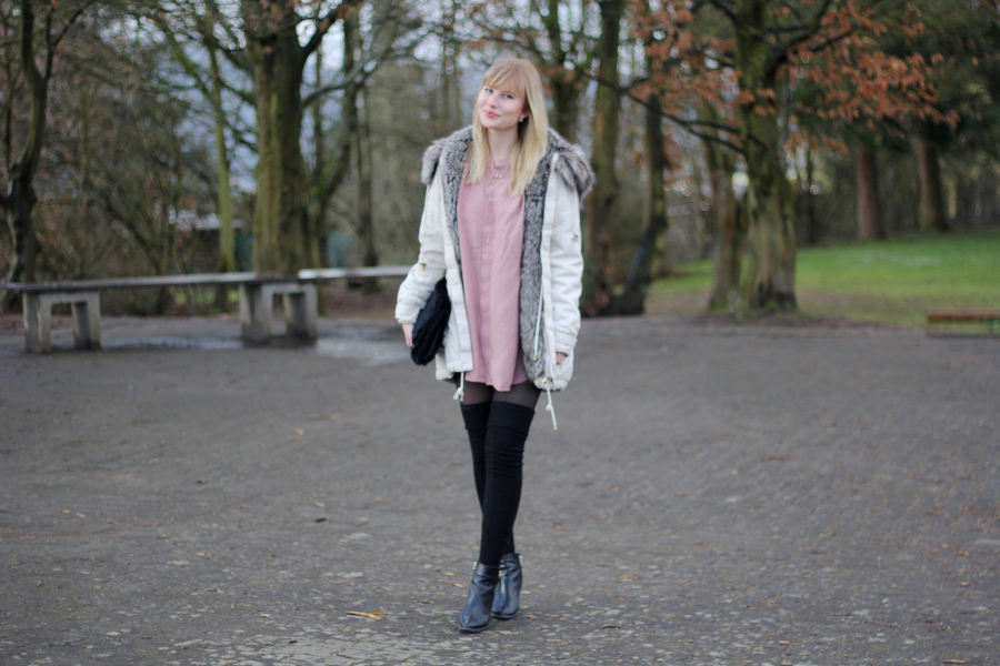 outfit-overknee-bluse-parka