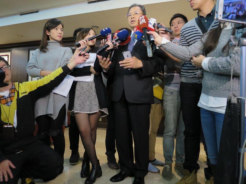 華航資深副總楊辰回應員工時問題,卻遭到打臉。(攝影:孫窮理)