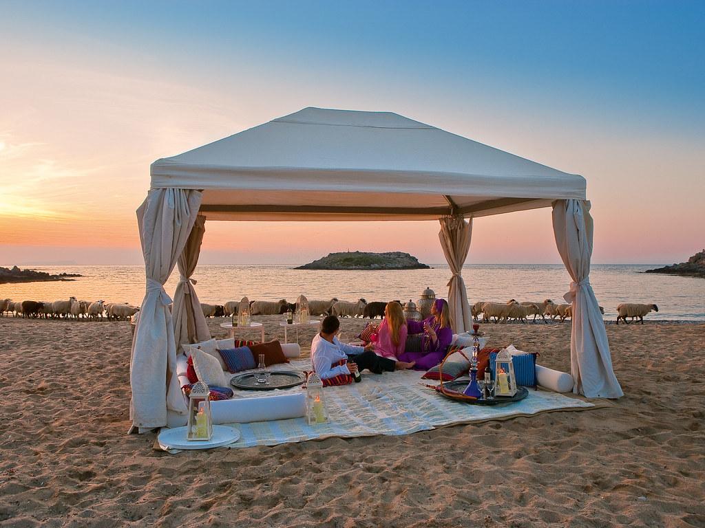 meli-palace-beach-side-dining-3660