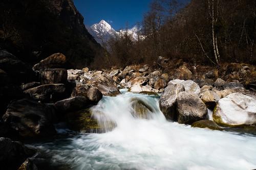 nepal mountains river stream fuji fujifilm treking langtang langtangtrek steveschwarz fujix lamahotel steveschwarzphotography