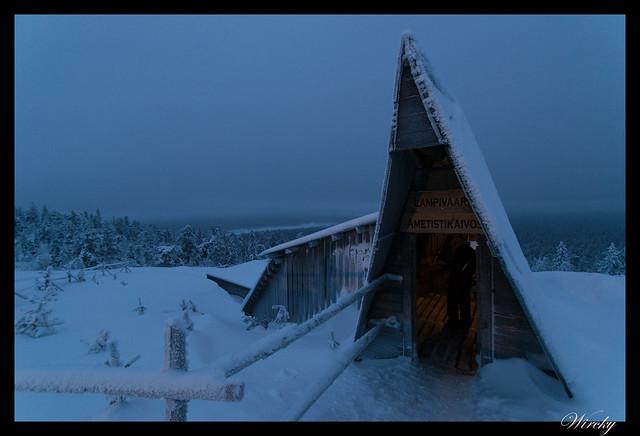 Laponia iglú cristal mina amatistas sauna finlandesa - Entrada a la mina de amatistas