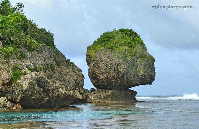 siargao island magpupungko rock formation