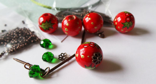 handmade-red-christmas-marbles