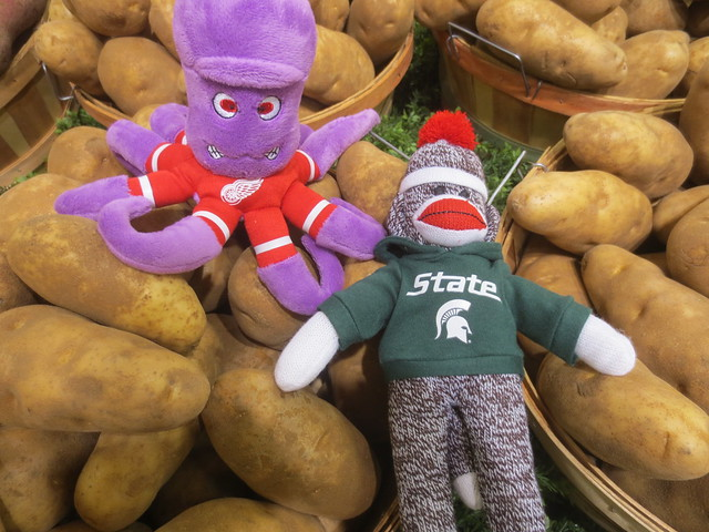 Stanley and Sparty Shop for Produce