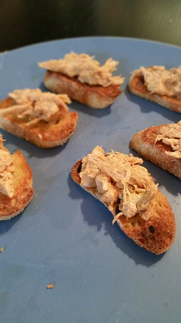 Chicken curry crostini