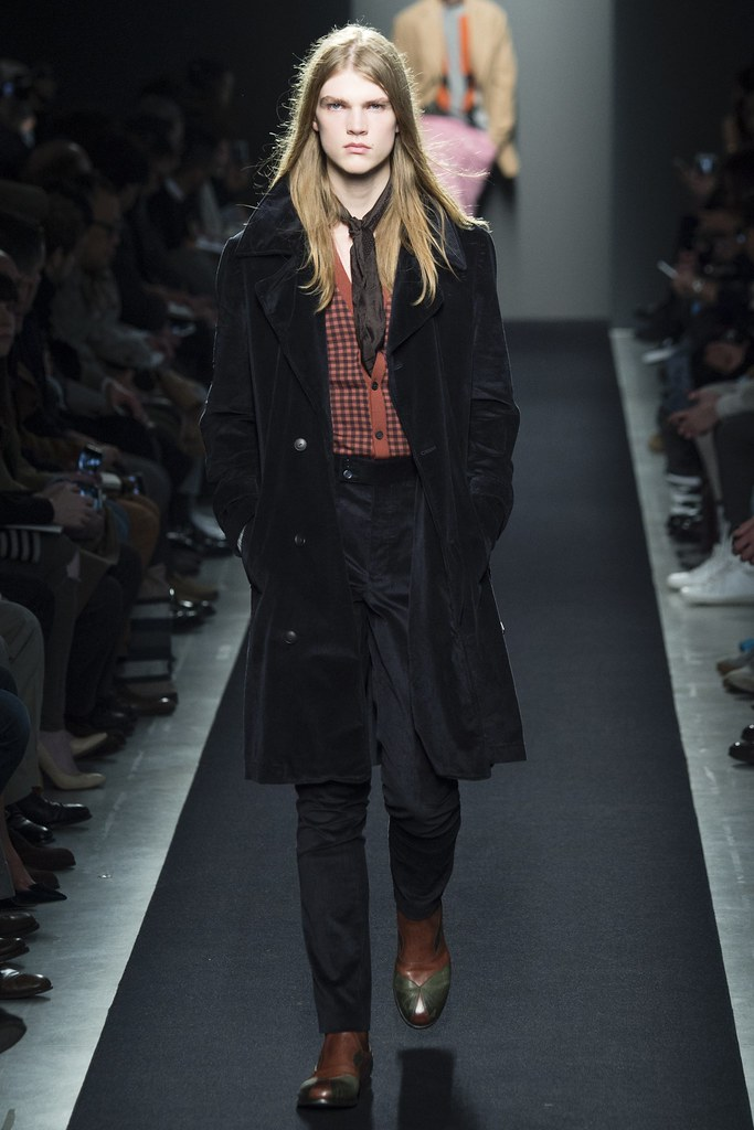 FW15 Milan Bottega Veneta037_Hugo Goldhoorn(VOGUE)