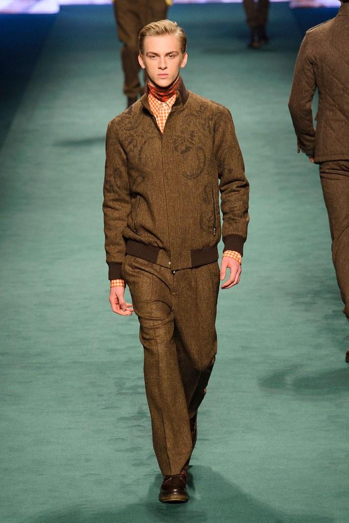Dominik Sadoch3247_2_FW15 Milan Etro(fashionising.com)