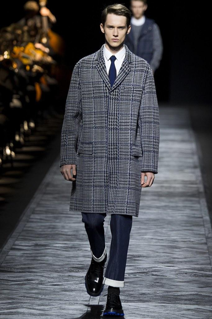 FW15 Paris Dior Homme027_Yulian Antukh(VOGUE)