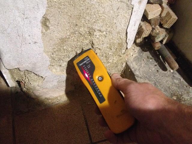 Damp meter